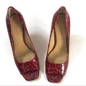 Tahari animal print red riddle peep toe pump 7.5